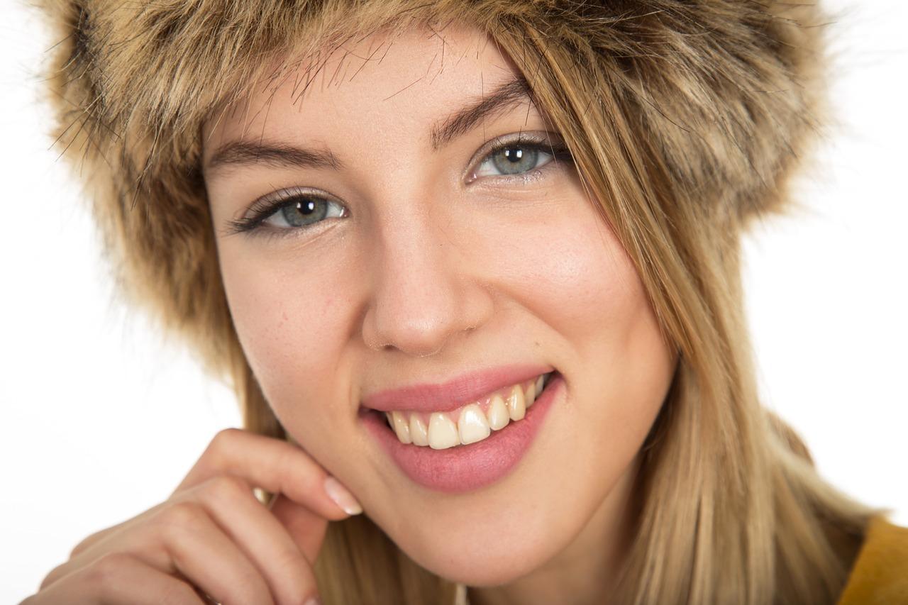 Can You Whiten Porcelain Veneers? - Tarzana Dentist  Victory